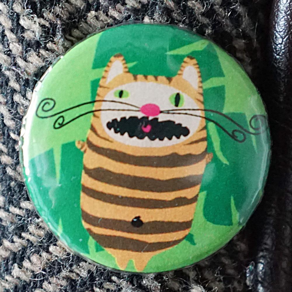 Button Mr. Cattiger