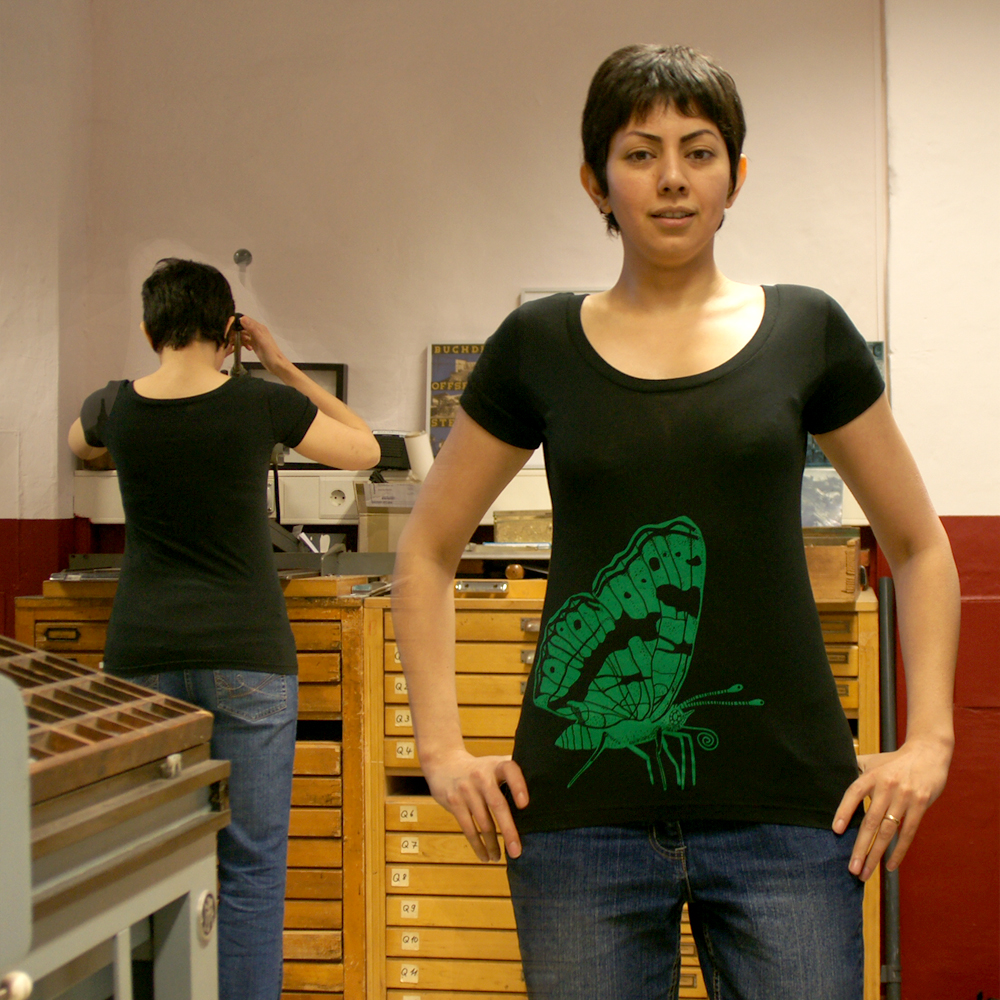 Frauen Scooped Neck T-Shirt Landkärtchen 2007